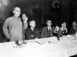 026 民國三十七年十月八日中國亞洲關係協會成立,左起:胡適、朱家驊、吳鐵城