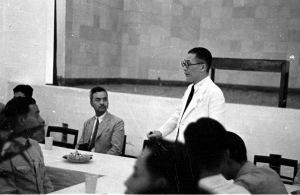 053 民國三十年一月一日吳秘書長招待回國受訓華僑