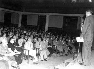 068 民國四十一年十月十八日華僑協會舉行音樂晚會招待全球華僑代表(第一排左一)李石曾、(第一排左三)程天放、(第一排左四)吳鐵城