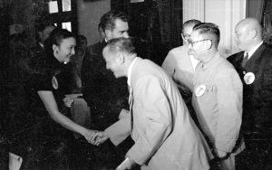 075 四十二年十一月九日自由中國人民團體歡迎美國副總統尼克森1